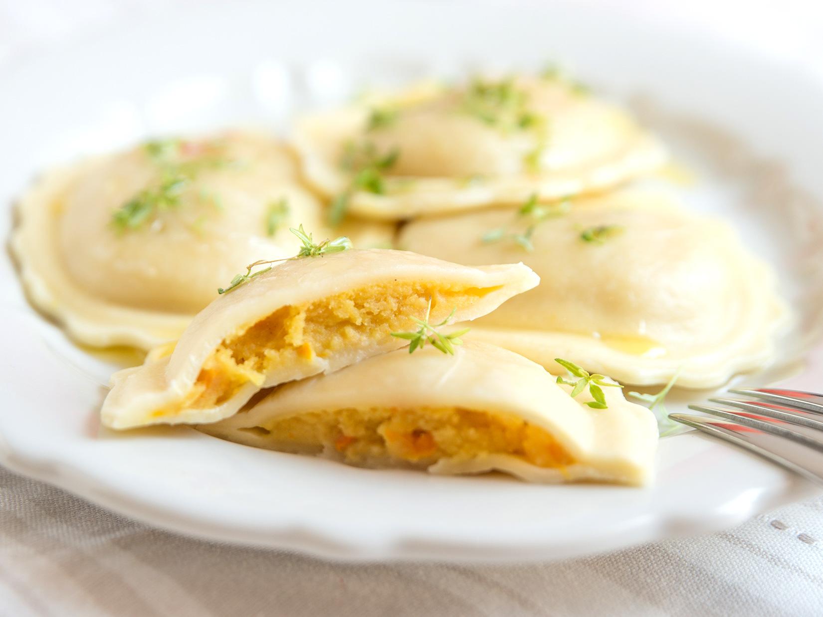 Rezept aus der Gustini-Küche: Kürbisravioli mit Salbeibutter