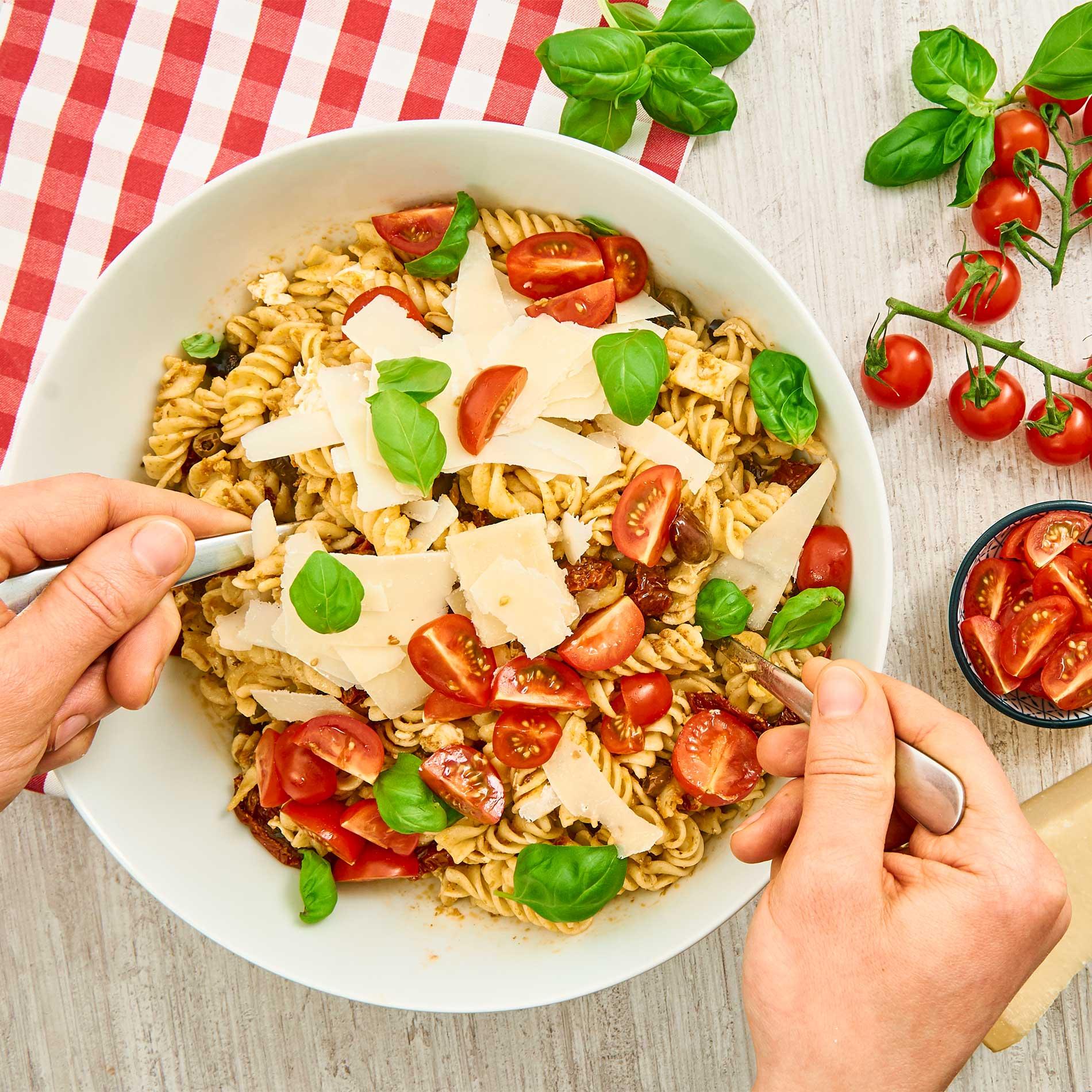 Italienischer Nudelsalat – Blitz-Rezept mit Pesto