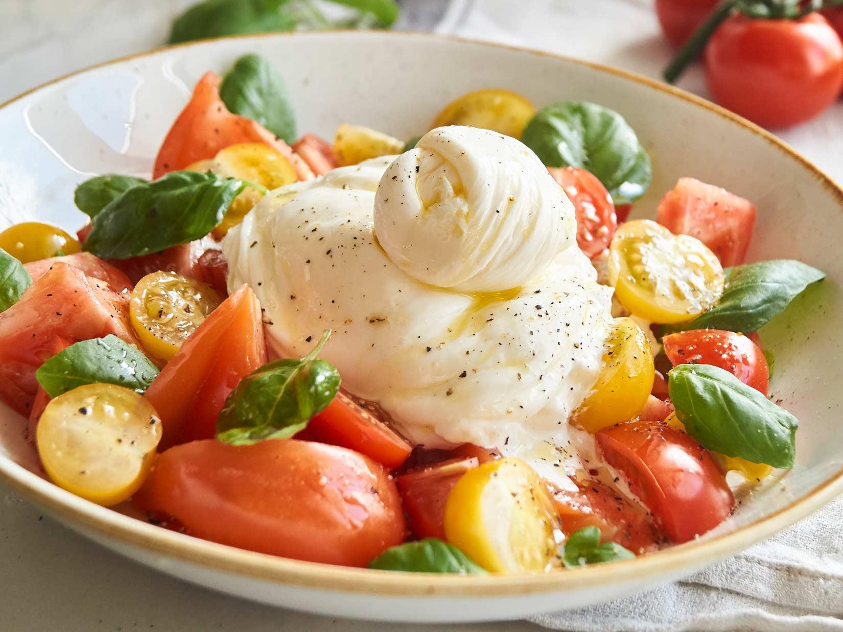 Tomatensalat mit Burrata – Rezept